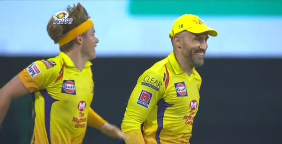 Two astonishing boundary line catches by Faf du Plessis