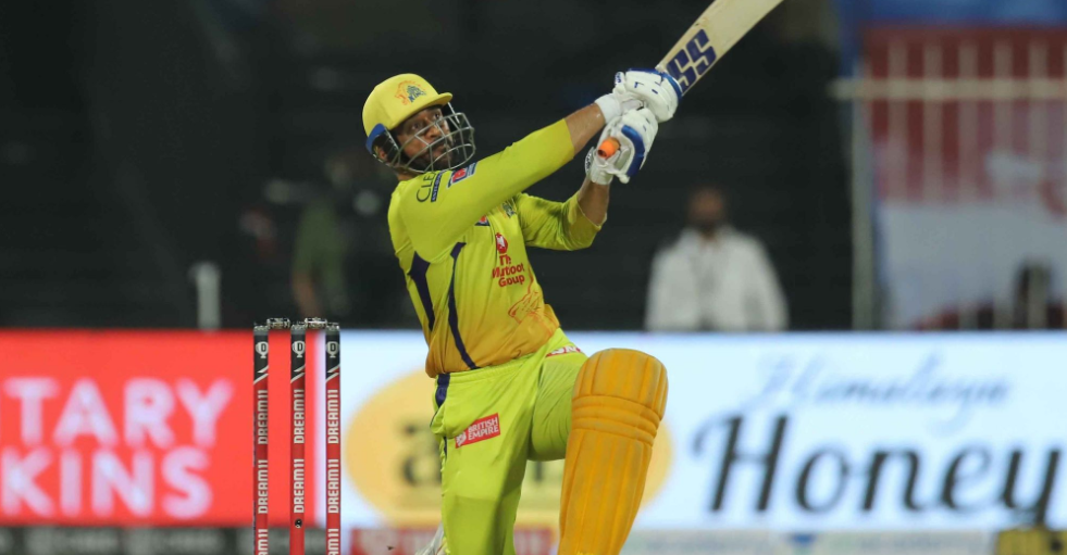 Dhoni hit a hat-trick of sixes in the last over - Medico topics