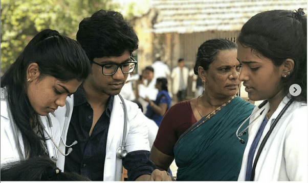 Catch up with seniors in medical college